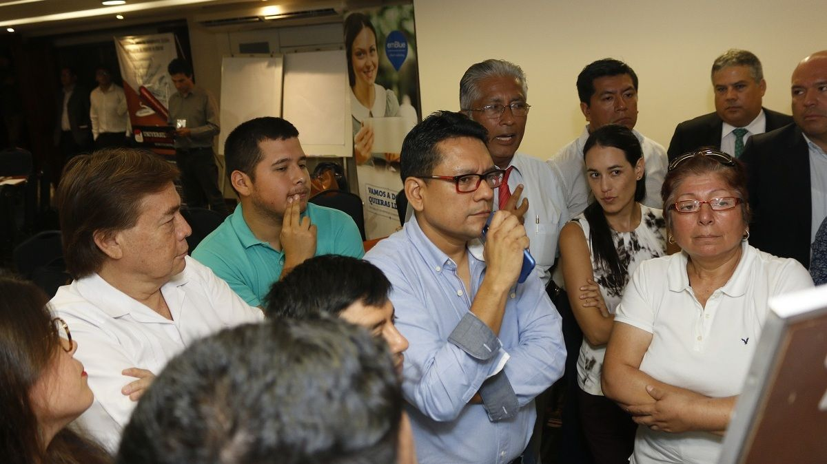 Mesa de Gobierno Ecommerce en Perú